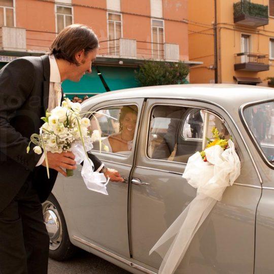 http://lnx.mirkone.it/wp-content/uploads/2015/07/foto-matrimonio-chiesa-comune-mirk_one-49-540x540.jpg