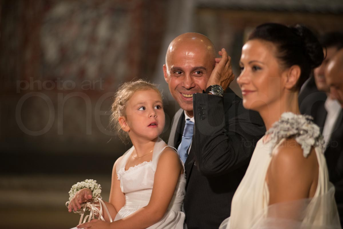 http://lnx.mirkone.it/wp-content/uploads/2015/07/foto-matrimonio-chiesa-comune-mirk_one-8.jpg