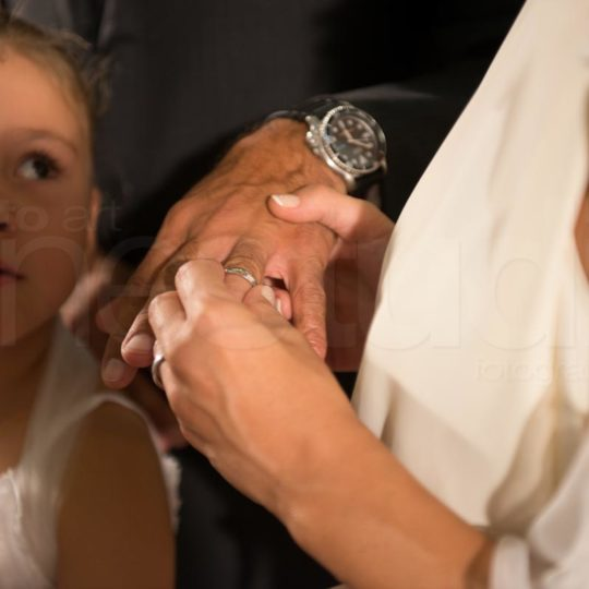 http://lnx.mirkone.it/wp-content/uploads/2015/07/foto-matrimonio-chiesa-comune-mirk_one-9-540x540.jpg