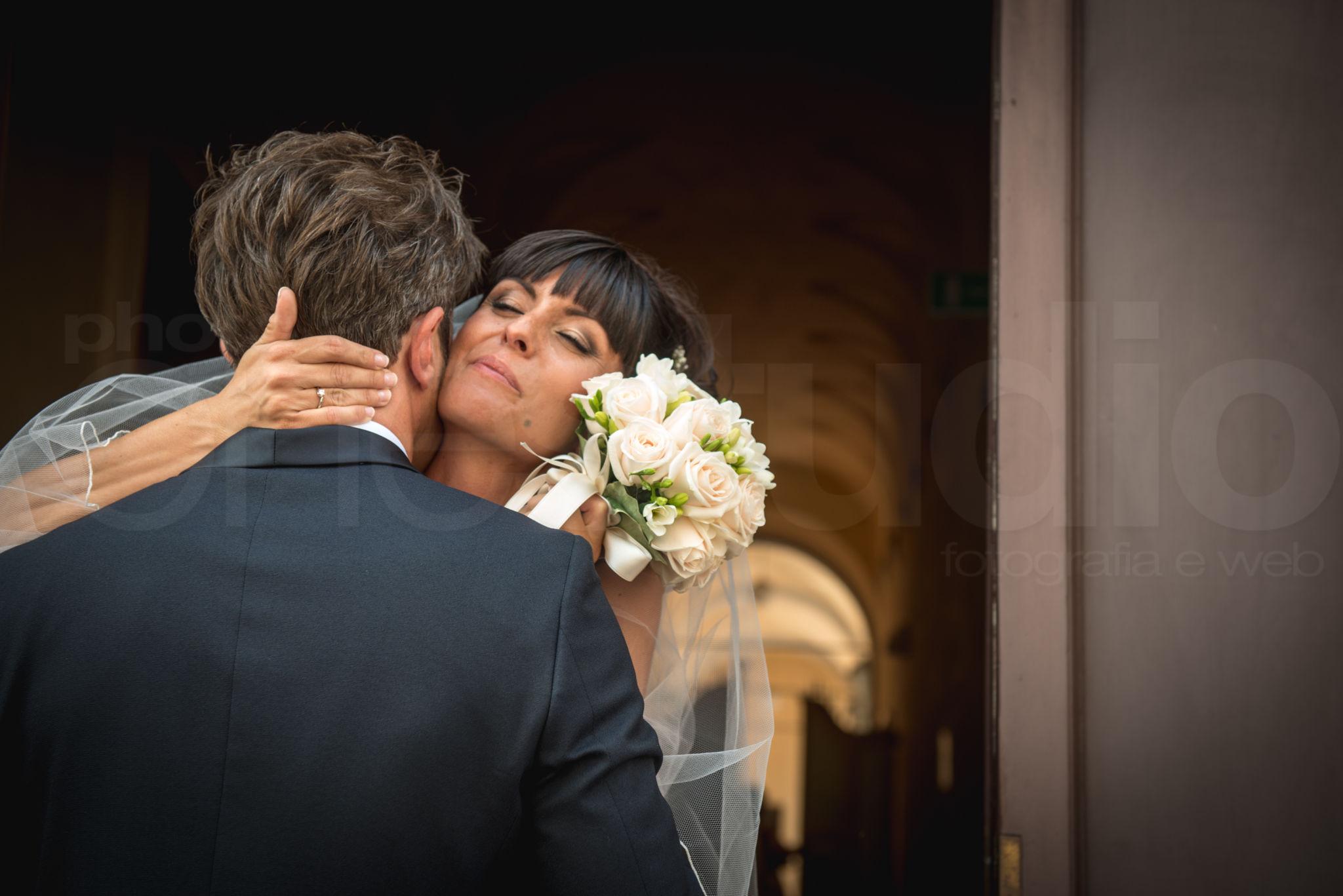 http://lnx.mirkone.it/wp-content/uploads/2015/07/fotografo-matrimoni-faenza-0017.jpg