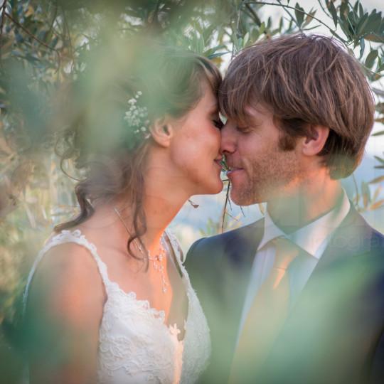 http://lnx.mirkone.it/wp-content/uploads/2015/07/fotografo-matrimoni-faenza-0026-540x540.jpg