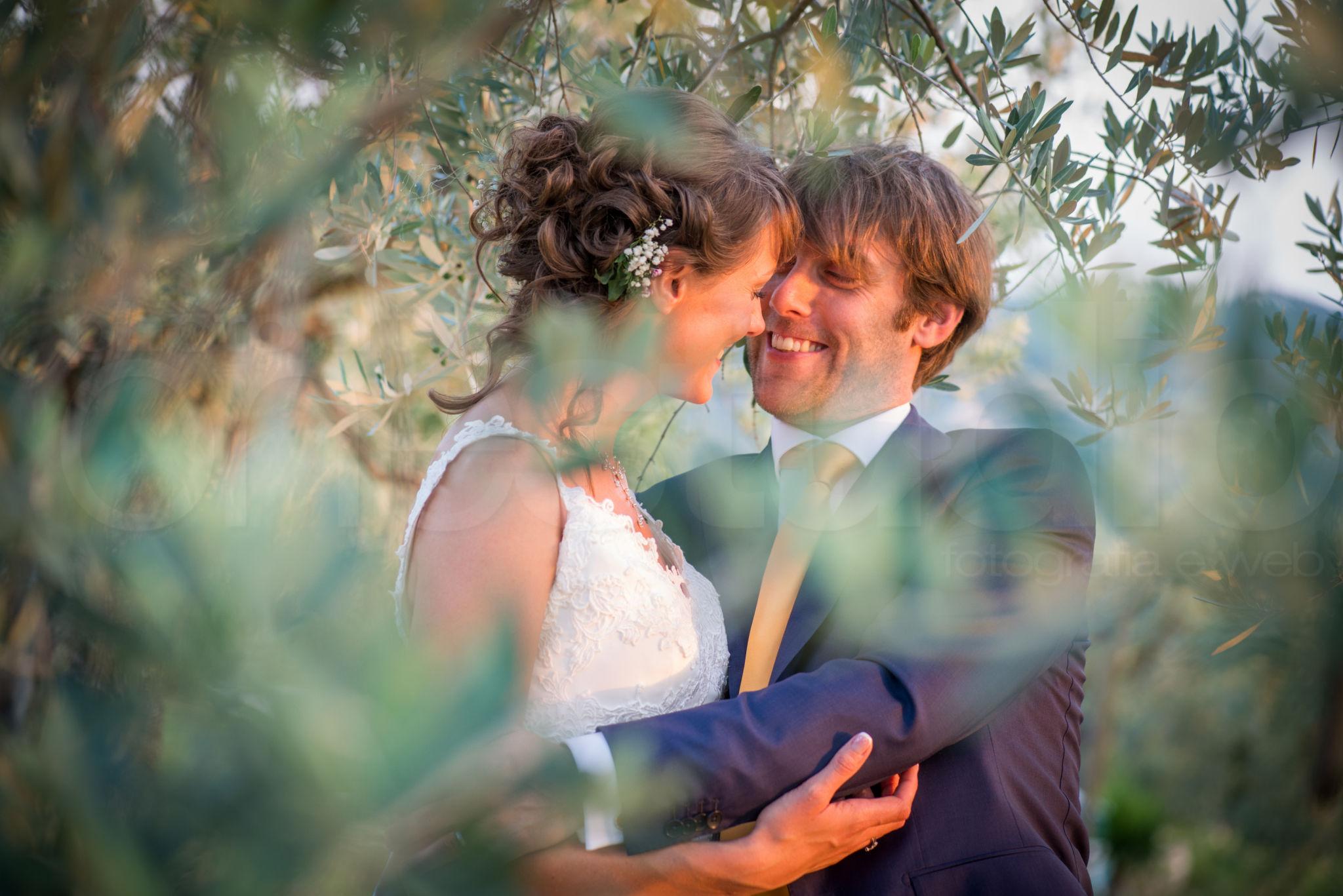 http://lnx.mirkone.it/wp-content/uploads/2015/07/fotografo-matrimoni-faenza-0027.jpg