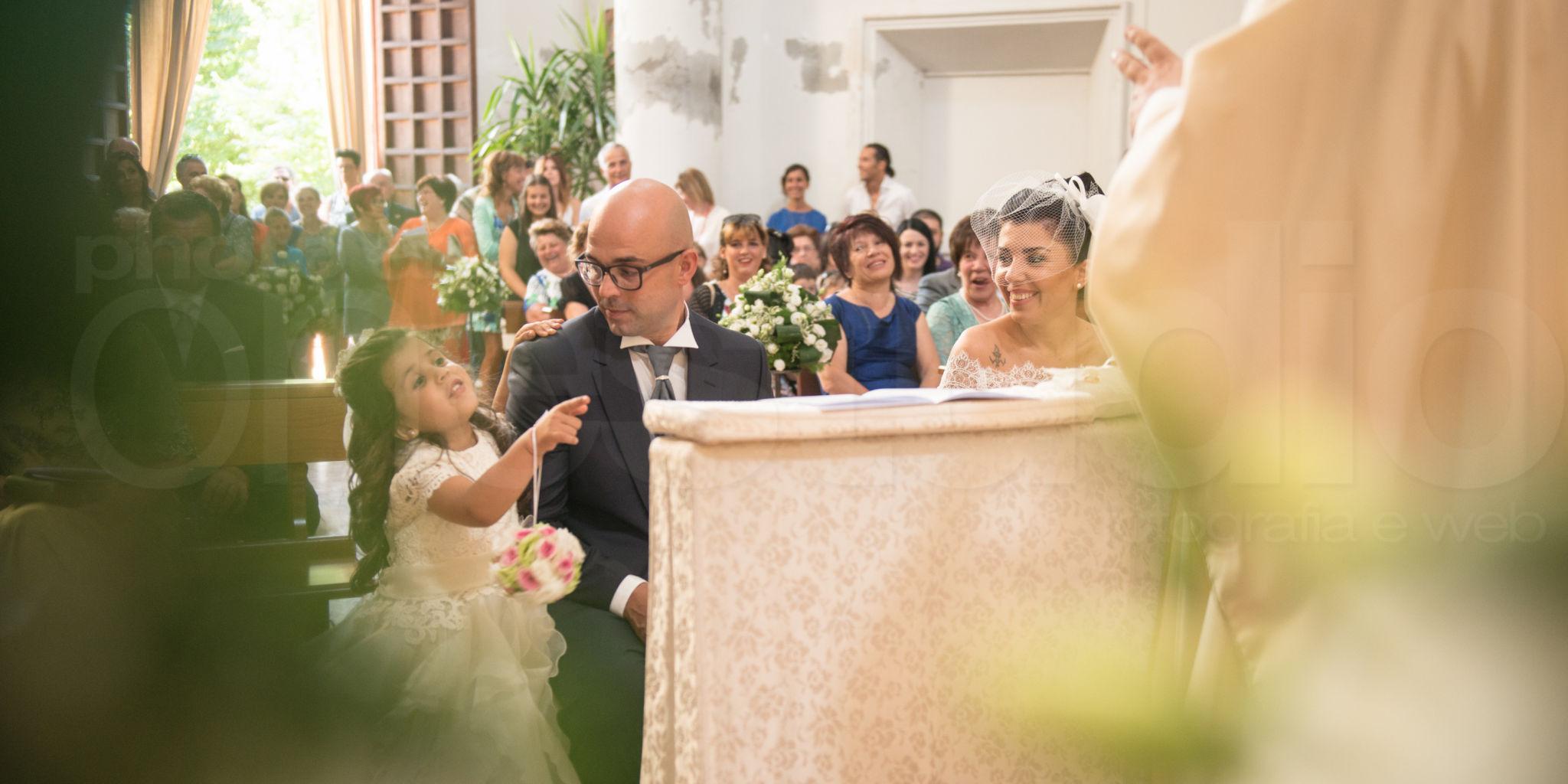 http://lnx.mirkone.it/wp-content/uploads/2015/07/fotografo-matrimoni-faenza-cerimonia-0019.jpg