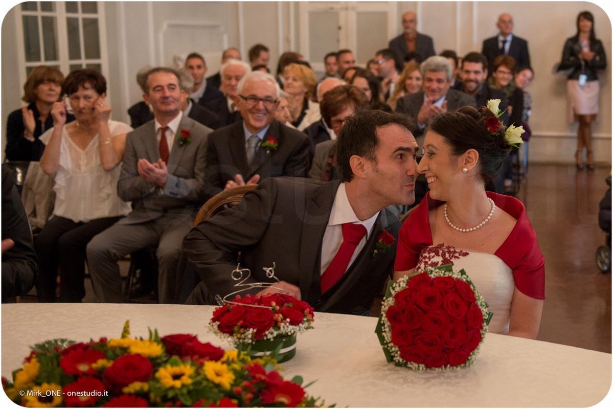 http://lnx.mirkone.it/wp-content/uploads/2015/07/fotografo-matrimonio-cerimonia-26.jpg