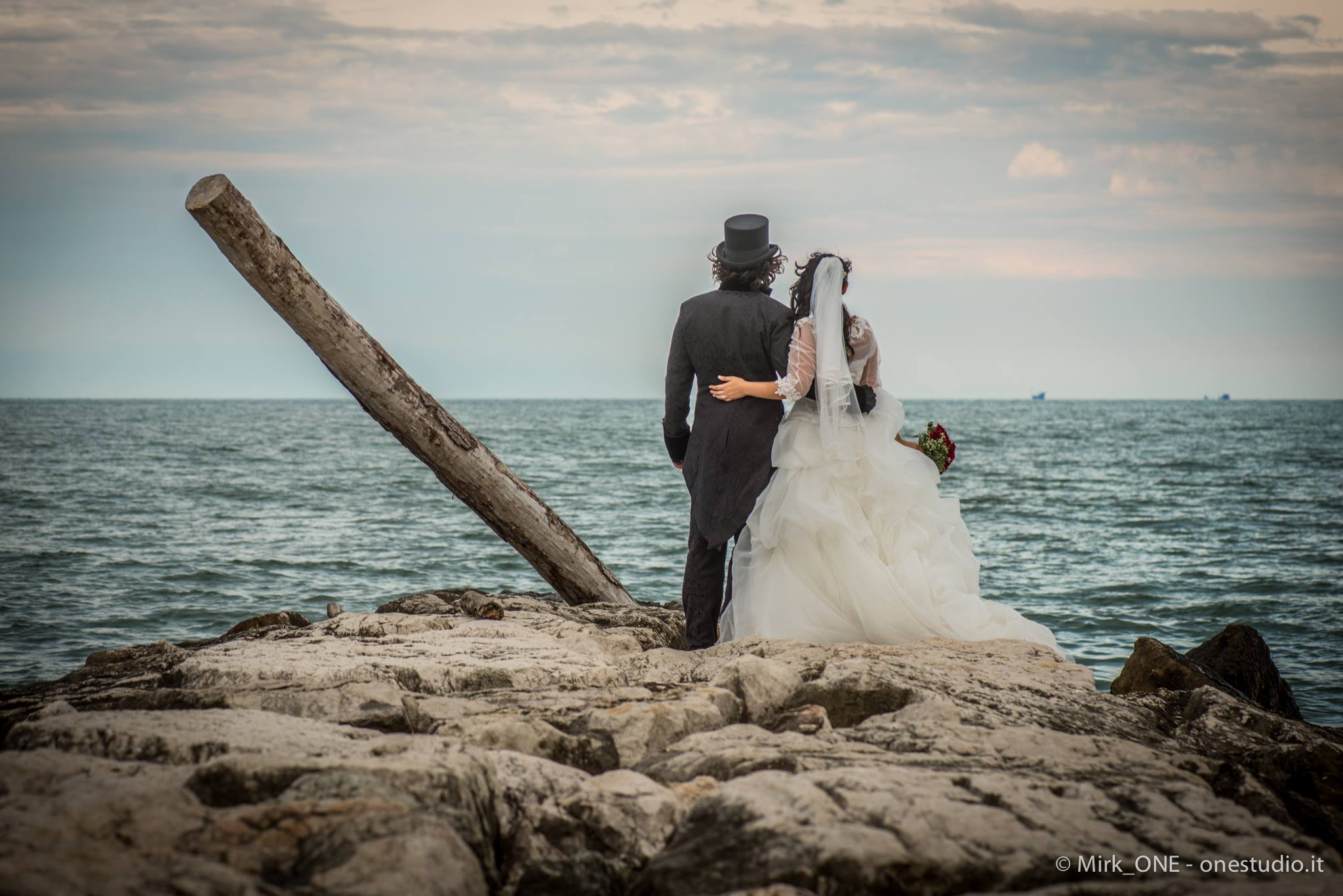 http://lnx.mirkone.it/wp-content/uploads/2015/07/mirk_ONE-fotografo-matrimonio-00824.jpg