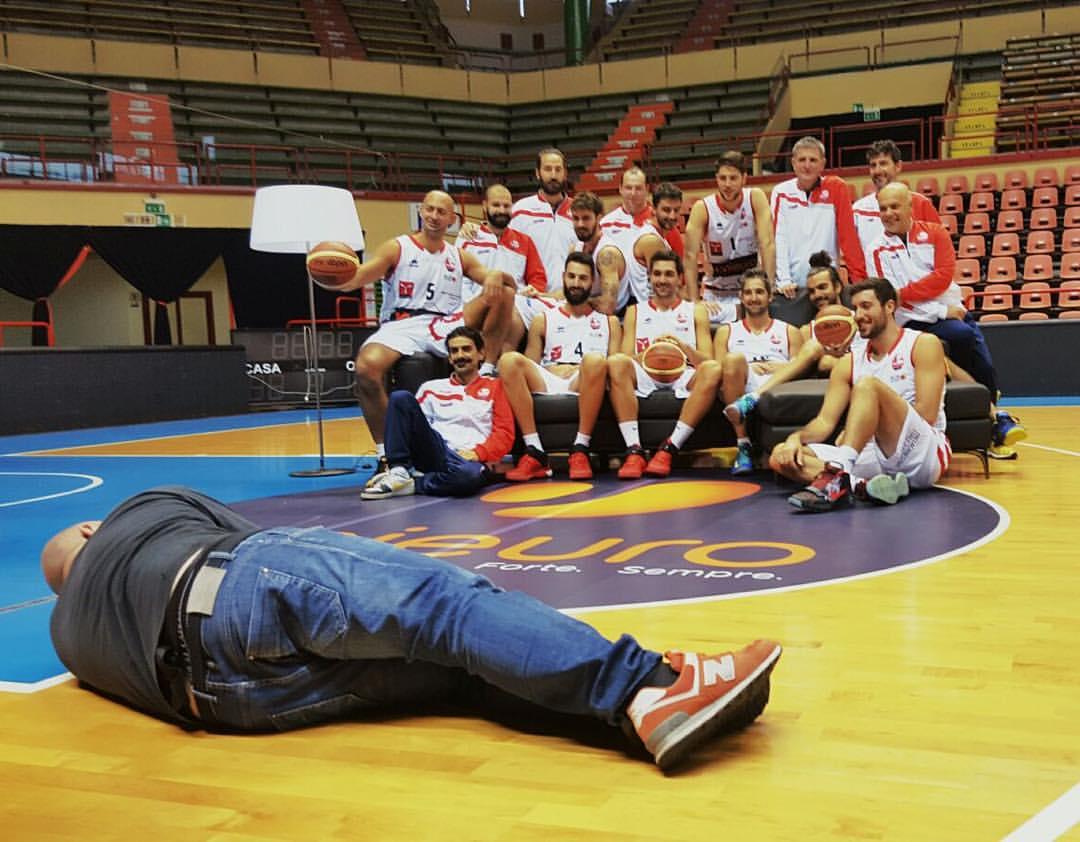 http://lnx.mirkone.it/wp-content/uploads/2015/10/mirk_one_forli_pallacanestro-2.jpg