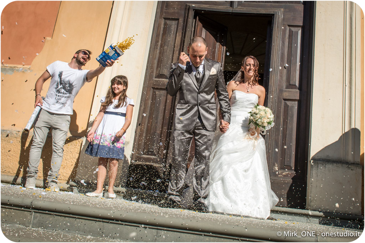 https://lnx.mirkone.it/wp-content/uploads/2015/07/Fotografie-Matrimonio-Mirk_ONE-23.jpg