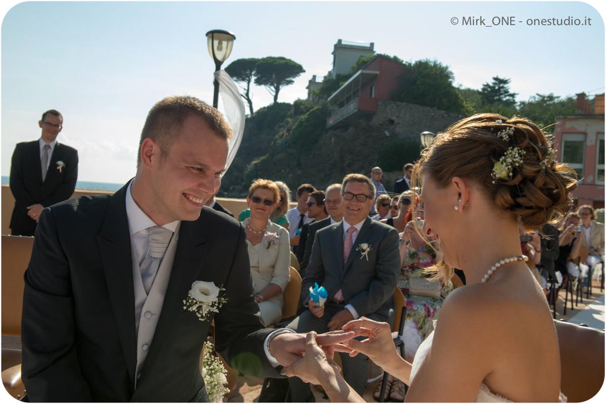 https://lnx.mirkone.it/wp-content/uploads/2015/07/Fotografie-Matrimonio-Mirk_ONE-55.jpg