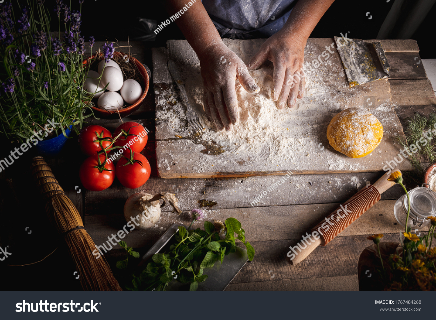 https://lnx.mirkone.it/wp-content/uploads/2016/01/stock-photo-seen-from-the-top-of-the-homemade-pasta-making-process-the-chef-makes-traditional-italian-fresh-1767484268.jpg