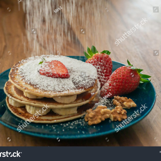 https://lnx.mirkone.it/wp-content/uploads/2016/01/stock-photo-sunday-breakfast-excellent-pancakes-with-bananas-strawberries-walnuts-powdered-sugar-and-maple-1633425208-540x540.jpg
