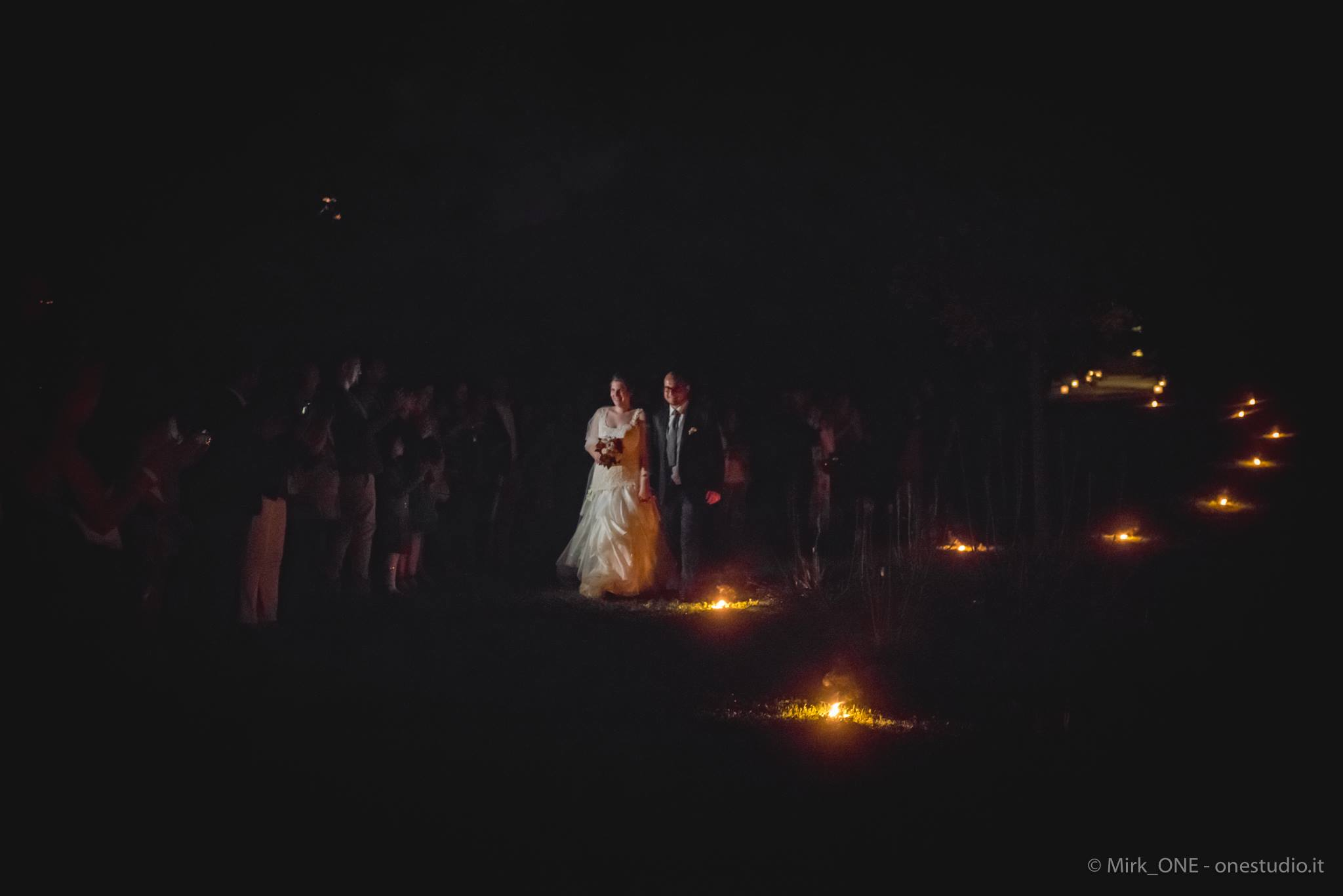 https://lnx.mirkone.it/wp-content/uploads/2018/03/mirk_ONE-fotografo-matrimonio-00844.jpg