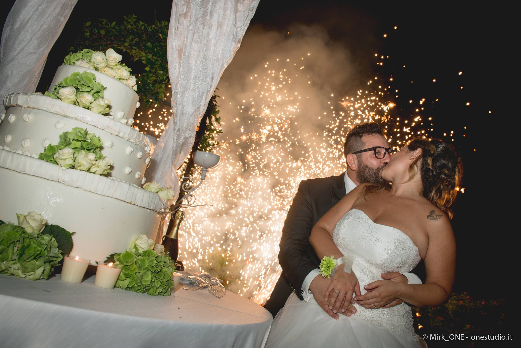 https://lnx.mirkone.it/wp-content/uploads/2018/03/mirk_ONE-fotografo-matrimonio-00886.jpg