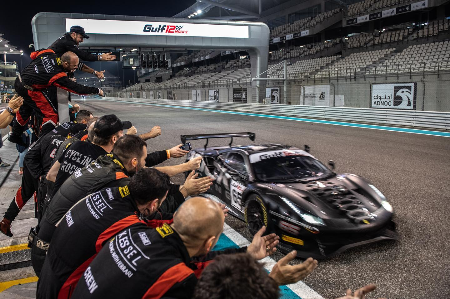 https://lnx.mirkone.it/wp-content/uploads/2019/12/mirk_One-abu-dhabi-rock-racing-13.jpg