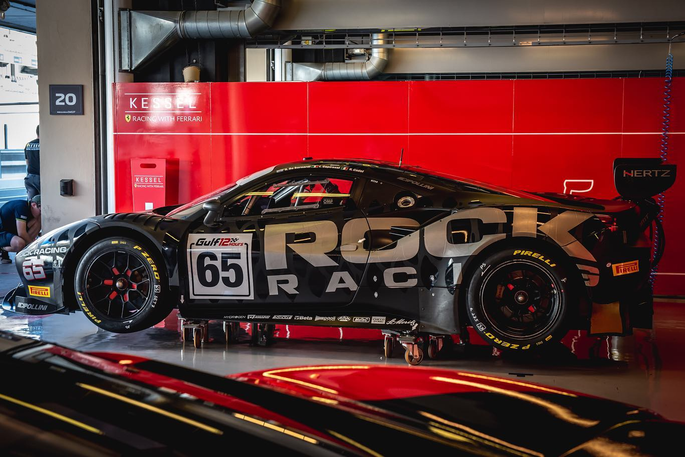 https://lnx.mirkone.it/wp-content/uploads/2019/12/mirk_One-abu-dhabi-rock-racing-5.jpg