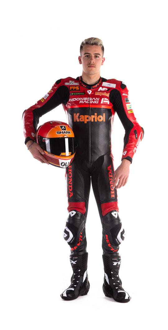 https://lnx.mirkone.it/wp-content/uploads/2021/04/gresini-racing-piloti-moto3-jeremy-alcoba-540x1062.jpg